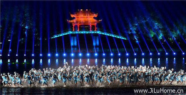 《最忆是杭州》