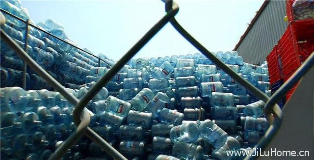 《瓶装水 Tapped》
