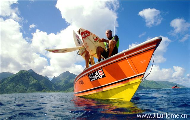 《大溪地终极冲浪 The Ultimate Wave Tahiti》