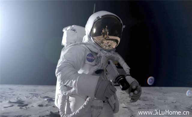 《华丽的荒土:月球漫步记 Walking On The Moon》